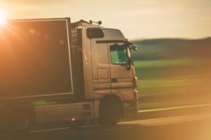 transporte-rodoviario-por-caminhao_solo-brasil